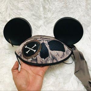 DISNEY WORLD • Mickey ear pirates of the Caribbean